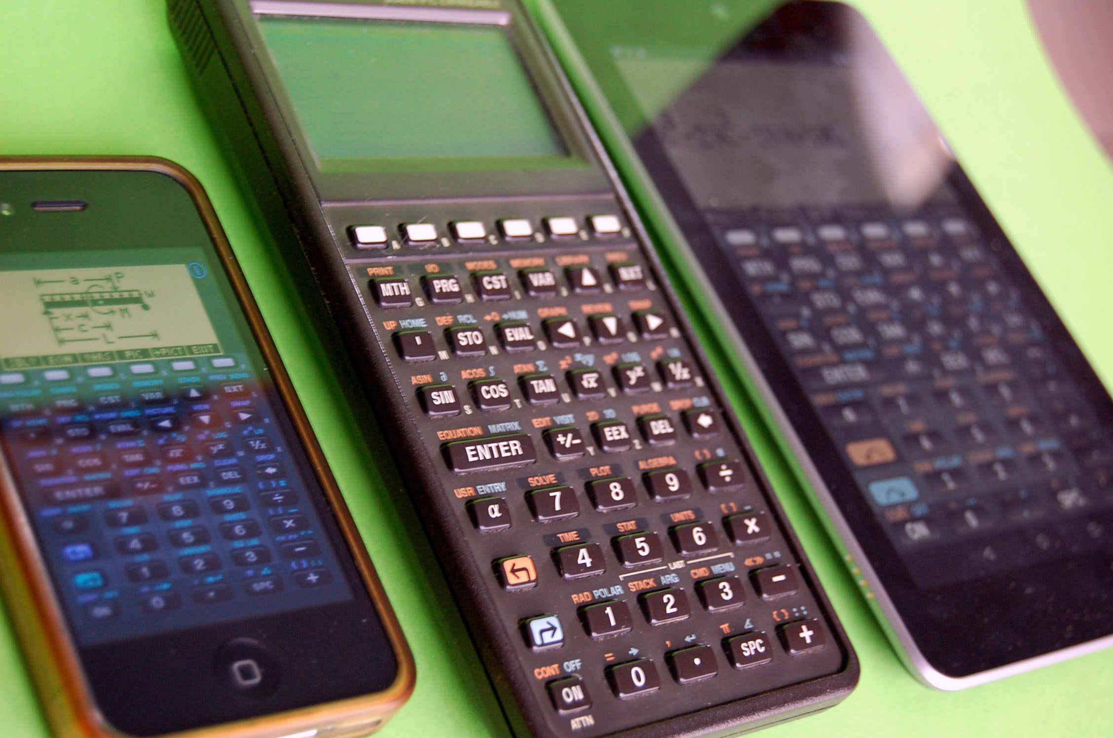 HP 48 SX et ses versions iOS (iPhone 4) et Android (Nexus 7)