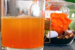 Cocktail à la Suze et au citron en dégradé de oranges